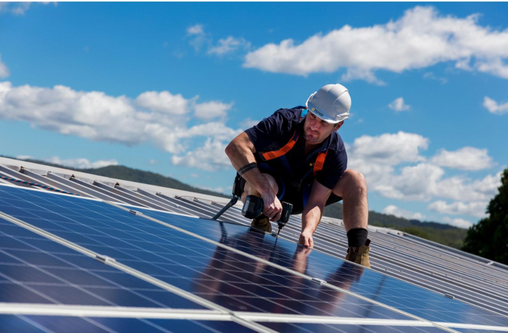 Mantenimiento de instalaciones solares en Ibiza